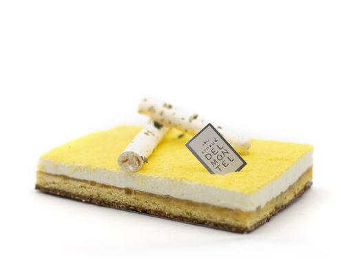 Le Syracuse : pour ceux qui aiment l'acidité du citron ! Mousse au citron, confit de citron adoucis par un biscuit innovant à la graine de courge !